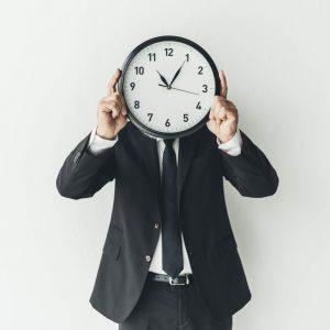 مشکلات مدیر و کارمند ها بر سر ساعت کاری