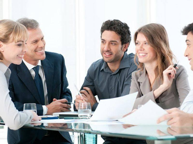 بهبود ارتباط موثر بین مدیر و کارمند