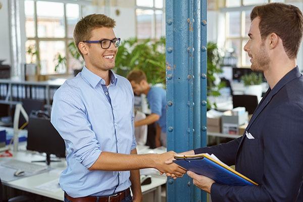 استخدام نیروی کار با استعداد
